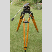 Vinten LIGHT GYRO TRIPOD picture