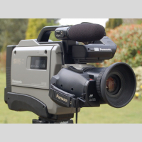 PANASONIC AG DP 200 B picture