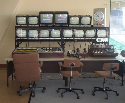 Click to see Golden Age TV Recreations Monitor stack example